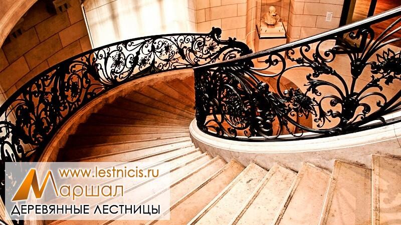 Деревянные кованые лестницы на второй этаж Севастополь