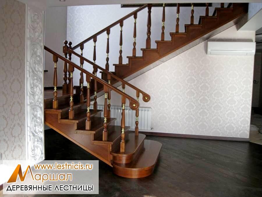 Деревянные лестницы в частном доме в Севастополе